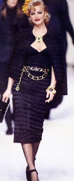 Eva Herzigova   Chanel RTW Fall 1992
