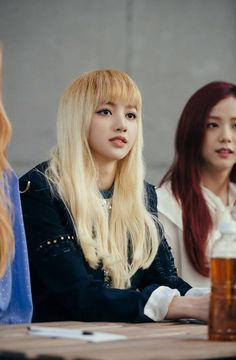 BLACKPINK Shares Thoughts On Possibility Of Winning A Rookie Award - YG New Girlgroup: BLACKPINK - BLΛƆK PIИK
