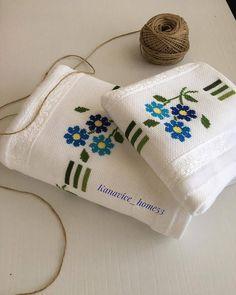 Cross Stitch Rose, Cross Stitch Flowers, Crochet Bedspread, Diy And Crafts, Reusable Tote Bags, Punto Cruz Gratis, Free Cross Stitch Patterns, Stitch Patterns, Crochet Lace Edging