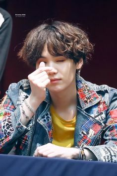 #Fansign   #Preview   #BTS   #Love_Yourself   #Tear   #Yoongi   #Suga   #Update   #Hq    ☆ミ@paawnny   