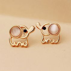 Pas cher Femmes Hommes Or Éléphant Boucles D'oreilles Blanc Rose Strass Cat Eye Pierre Opale Boucle D'oreille Oreille Bijoux Accessoires Boucles D'oreille, Acheter  Boucles D'oreilles de qualité directement des fournisseurs de Chine:Crystal Simulated Pearl Butterfly Stud Earrings Gold Hollow Colorful Cubic Zirconia Rhinestone Women Earring Jewelry Acc