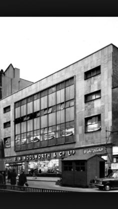 Old Woolworth in Leeds (St closed Now a branch of House of Fraser. Yorkshire England, West Yorkshire, Back In Time, Back In The Day, Old Pictures, Old Photos, Leeds City, Haunting Photos, House Of Fraser