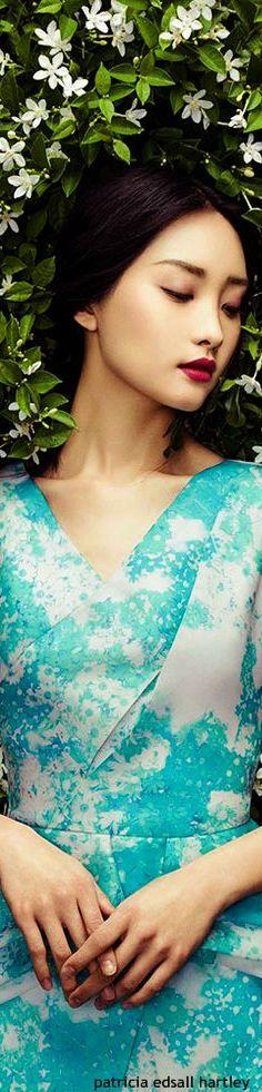 ♔ f l e u r  b o u q u e t {Flowers Fleur Fashion}    Kwak Ji Young 2015