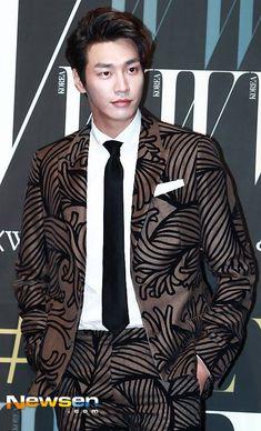Gong Yoo, Korean, Actors, Celebrities, Asia, Wallpaper, Celebs, Korean Language, Wallpapers