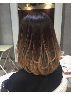 Blue Tips Hair, Hair Dye Tips, Medium Hair Cuts, Medium Hair Styles, Short Hair Styles, Hair Color Streaks, Ombre Hair Color, Asian Short Hair, Asian Ombre Hair