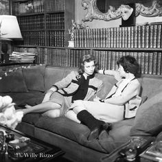 """""""Where should one use perfume?"""" a young woman asked Coco Chanel. """"Wherever one wants to be kissed!"""" Coco entertains on the suede sofa that she designed. Estilo Coco Chanel, Coco Chanel Fashion, Chanel Chanel, Paris Fashion, Diva Fashion, Editorial Fashion, Marika Vera, Elle Moda, Suzy Parker"""