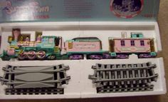 Precious Moments Sugar Town Express Train Set 152595 Dated 1995  MUST LOOK