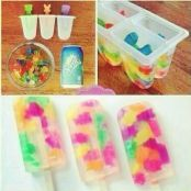 Funny pictures about Make Gummy Bear Popsicles The Easy Way. Oh, and cool pics about Make Gummy Bear Popsicles The Easy Way. Also, Make Gummy Bear Popsicles The Easy Way photos. Gummy Bear Popsicles, Making Gummy Bears, Snacks Für Party, Fruit Snacks, Diy Snacks, Fruit Gushers, Sleepover Snacks, Sleepover Party, Party Games