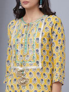 Neck Designs For Suits, Neckline Designs, Dress Neck Designs, Stylish Dress Designs, Designs For Dresses, Pakistani Fashion Casual, Pakistani Dresses Casual, Pakistani Dress Design, Kurti Patterns