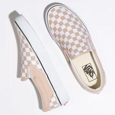 Vans Shoes Fashion, Vans Shoes Women, Girls Shoes, Vans Men, Shoes For Women, Adidas Shoes, Fashion Outfits, Vans Slip On, Slip On Shoes