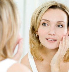 Learn Acne Treatment Coverup Tips. Heal and Conceal Acne. Which makeup makes acne worse. Tips for applying makeup to cover acne and scars. Makeup for acne scars. Beauty Care, Beauty Skin, Beauty Hacks, Hair Beauty, Beauty Advice, Beauty Myth, Beauty Ideas, Beauty Secrets, Anti Aging Tips