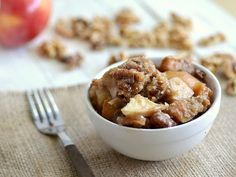 low fat crock pot apple crisp...cooked overnight in a slow cooker. wake up to the smell of baked apples :)