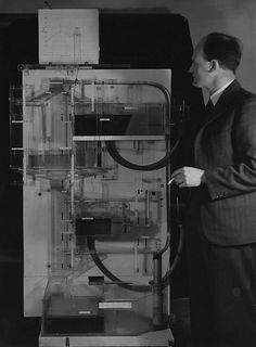 Professor Phillips and his Machine (modeling an open economy)