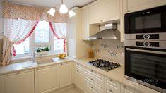 Mobila bucatarie clasica L-Shape - Mobila la comanda MOBIERA Iasi Home Decor Kitchen, Kitchen Interior, Kitchen Design, New Homes, Kitchen Cabinets, Google Search, Houses, Restaining Kitchen Cabinets, Design Of Kitchen