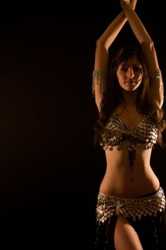 nice costume for Belly Dancing But I want her bod! Must practice!!