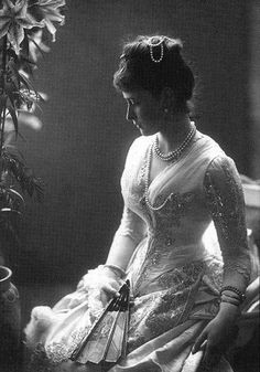 Princess Elisabeth of Hesse, later Grand Duchess Elisabeth Feodorovna of Russia ca. July Elisabeth was the older sister of the Russian empress Alexandra Feodorovna and the wife of Grand Duke Sergei Alexandrovich of Russia, uncle of Nicholas II. Belle Epoque, Old Pictures, Old Photos, Alexandra Feodorovna, First Ladies, Kaiser, Looks Vintage, Mode Vintage, Vintage Photographs