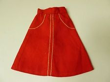 One thing that always makes me feel 5 again is the mix of blue denim and this colour red. I had an outfit which I really loved and this skirt reminds me of it.