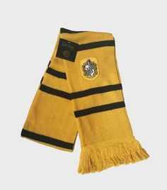 Hufflepuff Knitted Crest Scarf | The Harry Potter Shop at Platform 9 3/4