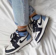 shoes for women sick nike obsidans Dr Shoes, Hype Shoes, Me Too Shoes, Cool Nike Shoes, Retro Nike Shoes, Nike Retro, Aqua Shoes, Yellow Shoes, Sock Shoes