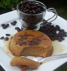 Coffee flan from My Colombian Recipes - this looks just like a coffee flavored creme caramel My Colombian Recipes, Colombian Cuisine, Just Desserts, Delicious Desserts, Yummy Food, Mexican Food Recipes, Dessert Recipes, Flan Recipe, Creme Dessert