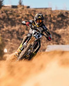 Determined fit and full of life Dean has returned to the family ready to shake things up. was a testament to that. Motocross Love, Motorcross Bike, Enduro Motorcycle, Dirt Bike Racing, Dirt Bike Girl, Dirt Biking, Motocross Photography, Moto Wallpapers, Ktm Supermoto