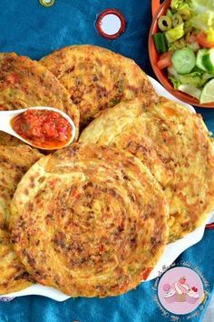 Melwis / melouis stuffed with minced meat Veal Recipes, Cooking Recipes, Plats Ramadan, Morrocan Food, Vegetarian Recepies, Tunisian Food, Algerian Recipes, Ramadan Recipes, Primal Recipes