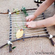 Nature weaving art and play. Free tutorial with lots of photos.
