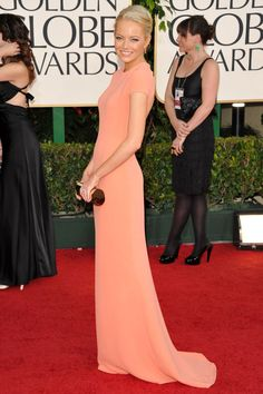 Emma Stone red carpet dress at Golden Globes. Emma Stone Style, Emma Stone Red Carpet, Red Carpet Dresses, Celebs, Celebrities, Beautiful Gowns, Simply Beautiful, Dress Collection, Calvin Klein