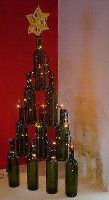 Arvore de natal de garrafa e luzinha de natal