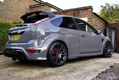 Looks good in the grey. Image from @detail.monkey