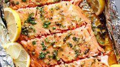 Gebackener Honig-Knoblauch-Lachs in der Folie - Rezepte vegetarisch Baked honey-garlic salmon in foil - vegetarian recipes de frutos do mar Orange Glazed Salmon, Honey Salmon, Butter Salmon, Mustard Salmon, Honey Mustard, Salmon In Foil Recipes, Grilled Salmon Recipes, Fish Recipes, Seafood Recipes