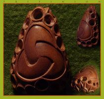 Carved avocado pit: Trifinion by AvocadoArt