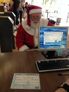 Seja bem-vindo Papai Noel! Que bom que você aceitou nosso convite! #academiagb #acreditanoel