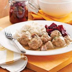 Nutrition tips if you are really serious about it Meatball Recipes, Meat Recipes, Recipies, Confort Food, Complete Nutrition, Nutrition Tips, Canadian Food, Christmas Cooking, Christmas Recipes