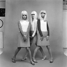 Fashion Spring 1966 Photo Paul Huf e White Fashion, Spring Fashion, Dresses Australia, Vintage Fashion Photography, 1960s Fashion, Photos Of Women, Vintage Wear, Huf, Fashion Beauty
