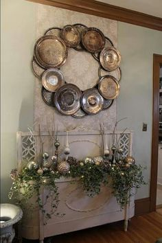 Vintage chargers make a beautiful wreath :)
