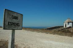 O Cabo Espichel é um dos locais impressionantes da Costa Azul pela paisagem natural envolvente.