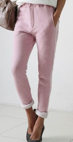 We love this cotton fleece pants, cut for a relaxed fit with a flexible back waistband, wear them for evening with a blazer and heels, 2 colors Pink and Gray