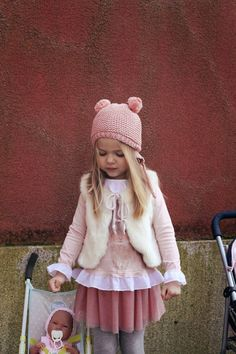 DRESSING IVANA (AND SOFIA): On Pink