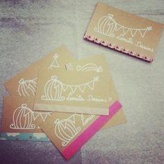 "Tarjetas de visita handmade ""Lomita Dessins"" Hechas a mano 100%."