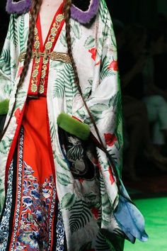 Gucci Spring 2017 Menswear Fashion Show orientalism pattern widely used in poiret design.
