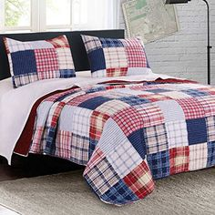 Quilt Set with Shams 3 Piece Print Stripe Plaid Pattern Bedding Navy Blue Red Luxury Reversible Bedspread - Americana style bedding for a traditional bedroom decor. Classy Bedroom Decor, Blue And White Bedding, Modern Duvet Covers, Modern Bedding, Traditional Bedroom Decor, Luxury Bedding Sets, Bed Styling, Quilt Sets, Bed Spreads
