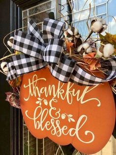 Easy and Inexpensive Fall Decorating Ideas - Basteln/Gestalten - Fall decor ideas Dollar Tree Fall, Dollar Tree Crafts, Dollar Tree Pumpkins, Do It Yourself Decoration, Burlap Pumpkins, Wooden Pumpkins, Pumpkin Door Hanger, Fall Door Hangers, Halloween Door Hangers