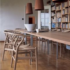 CH 318 Dining Table by Hans Wegner paired with #hauteliving Wishbone Chairs