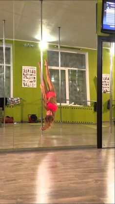 Advanced Combo 2. Pole dance