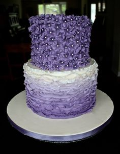 Flower blossom covered and ombre lilac lavender purple violet fondant ruffles cake. 60th Birthday Ideas For Mom, Girly Birthday Cakes, Birthday Cake With Flowers, Purple Birthday, Birthday Cakes For Women, 17th Birthday, 50th Birthday Party, Birthday Woman, Mom Birthday
