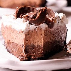 No Bake Chocolate Pudding Cream Pie is easy to make using premade Oreo crust, Co. Chocolate Pudding Desserts, Chocolate Pie Recipes, Chocolate Pies, Delicious Chocolate, Chocolate Shavings, Chocolate Party, White Chocolate, Köstliche Desserts, Delicious Desserts