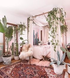 Kinda like the climbing vine on the bed canopy