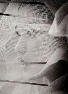 Photography by Takao Tsushima Japan Geisha, Black White Photos, Black And White Photography, Arte Yin Yang, Portrait Photography, Fashion Photography, Editorial Photography, Amazing Photography, Portraits