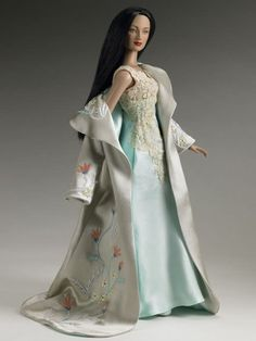 Geisha Nightgown and Robe Tonner Doll Company #MemoirsOfAGeisha #MovieDolls #FashionDolls #TonnerDolls @Tonnerdoll